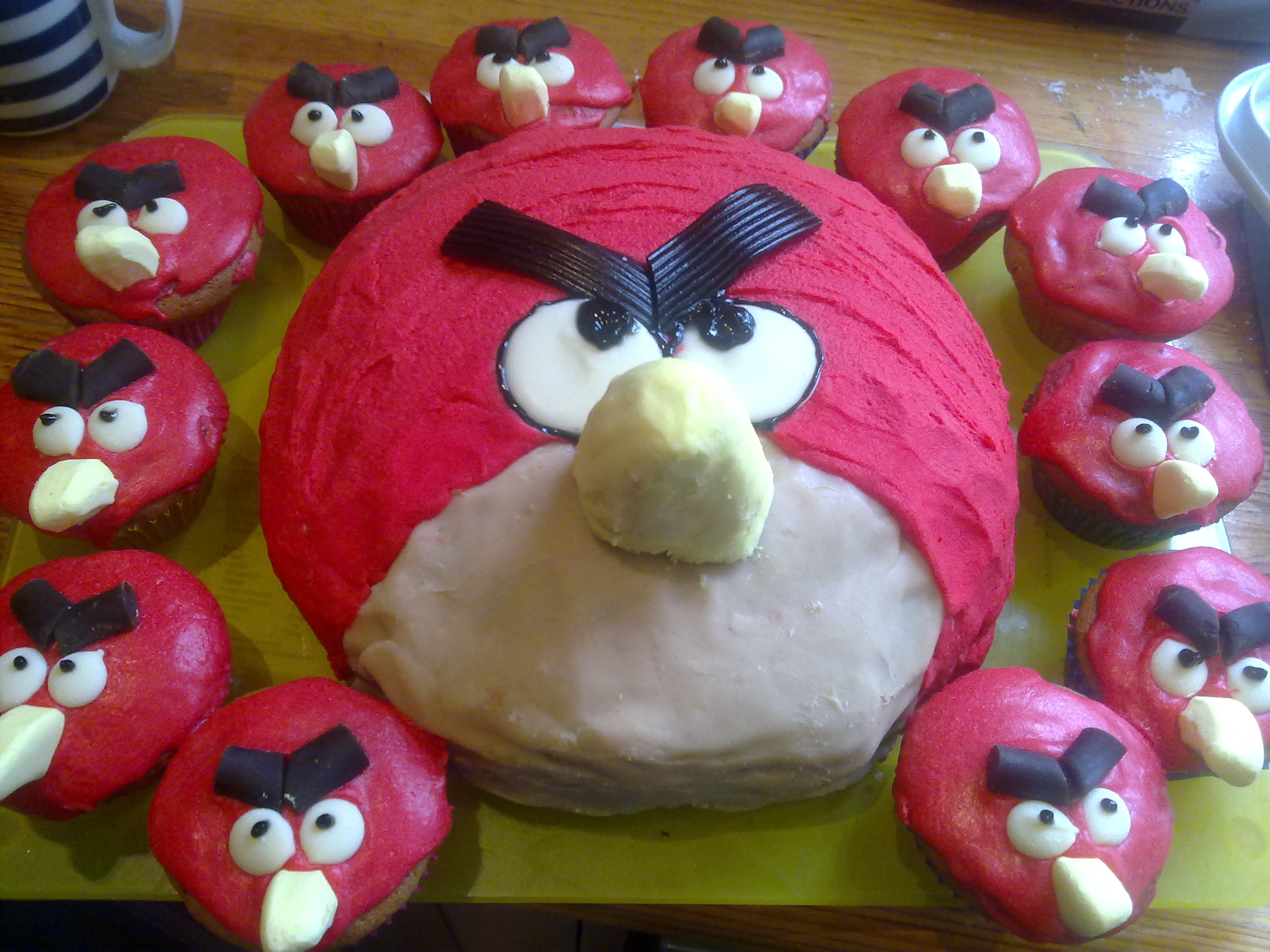 Angry Birds and my favourite Cupcake recipe of all time Lemonlicious